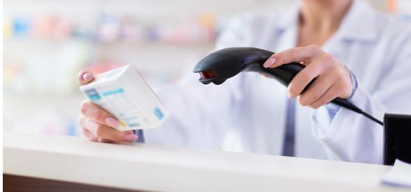 global-pharma-regulatory-update_pharmacist-scanning-product_295x138