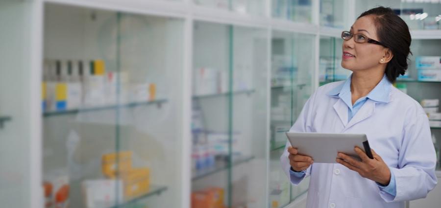 female-pharmacist-EU-fmd-compliance